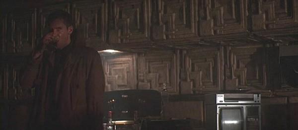 deckards_apartment_in_movie