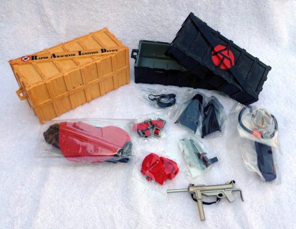 con-toys-crates