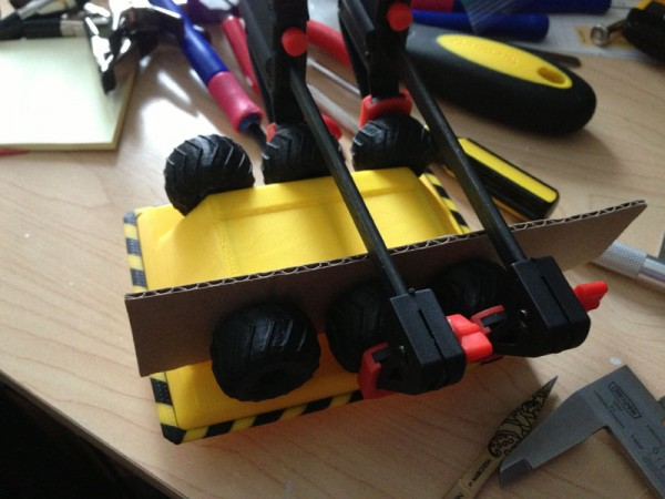 moonbuggy-gluing-wheels