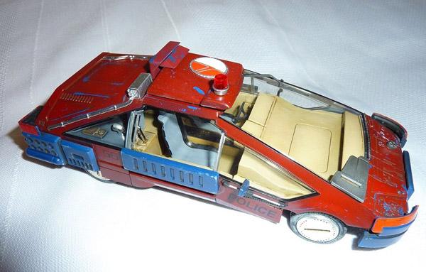 deckard-car-ground-01-small