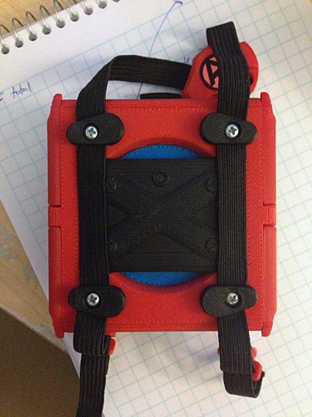 at-drone-backpack-tablet-stored-01